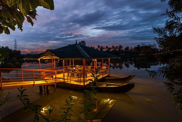 Raha Bamboo Lagoon Ayurveda Village Cochin India 15