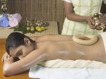 Kandamkulathy Ayursoukhyam Resort 6 Nights / 7Days Spine Care Package