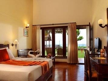 Abad Whispering Palms Ayurveda Detoxification Lake View Cottage