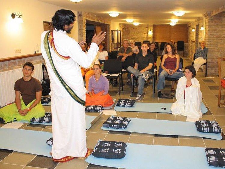 World Peace Yoga School 100 Hrs Yin Yoga TTC 1