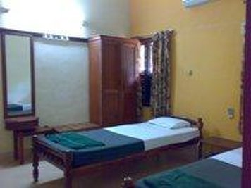 Rajah Healthy Acres - Indian Residents Ayurvedic Treatment Package Thulasi A/C
