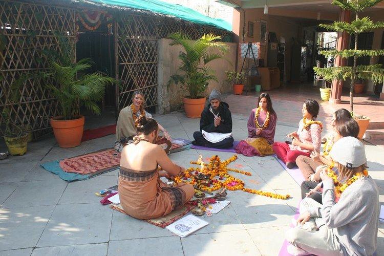 Rishikesh Sadan YOGA FOR BEGINNERS 2