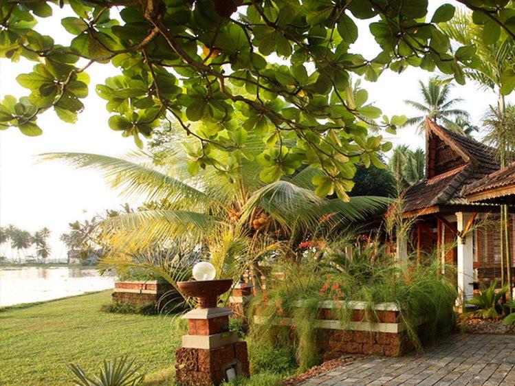 Punnamada Resort Alappuzha India 6