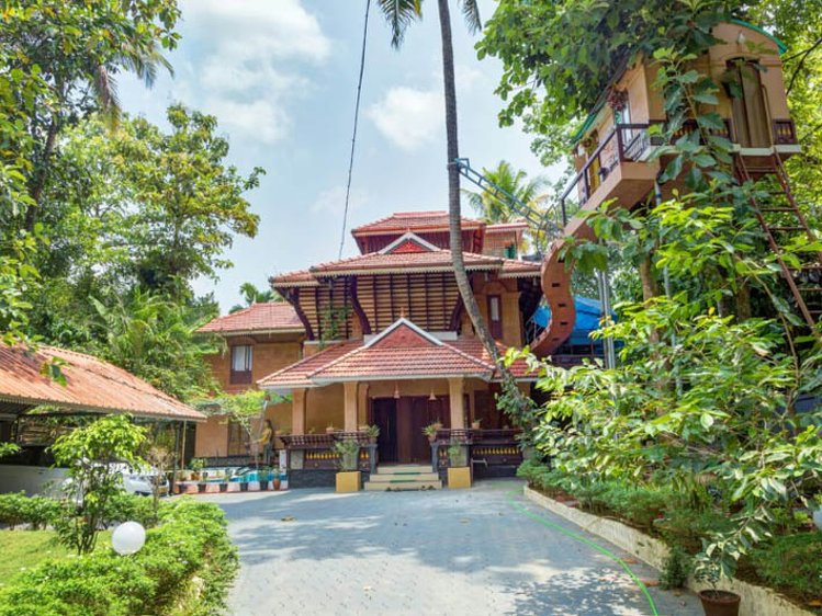 Munkudil Ayurveda & Yoga Retreat Ernakulam India 1