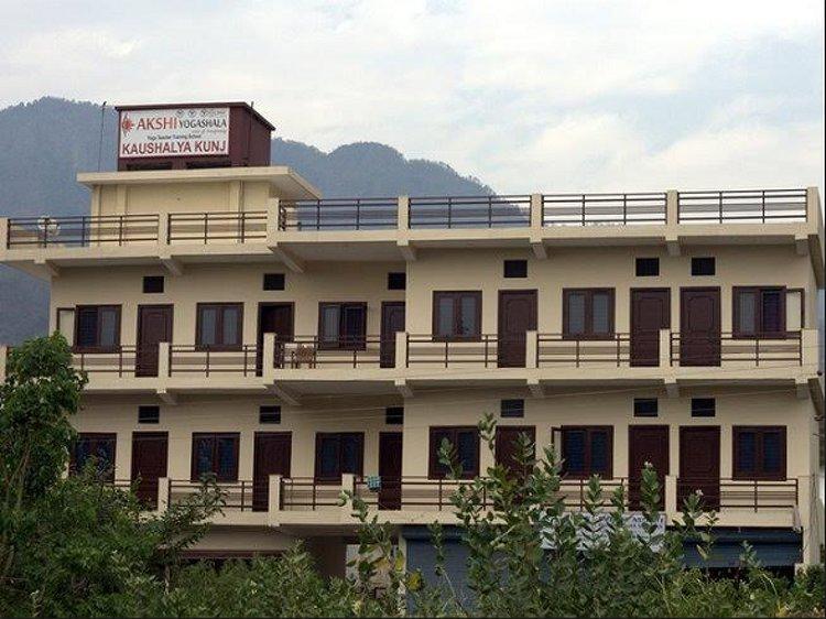 Akshi Yogashala Rishikesh India 1