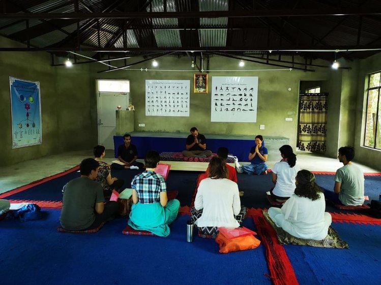 AryaMarga Society 1-month/200-hour Yoga Psyhology Course 2