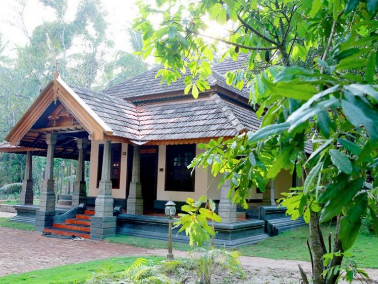Perumbayil Ayurveda Mana Thrissur India 4