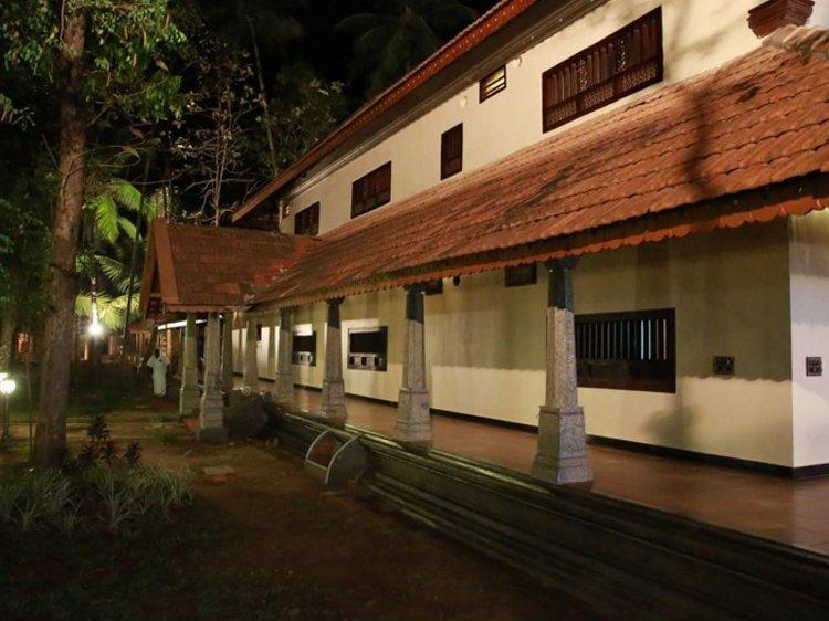 Perumbayil Ayurveda Mana Thrissur India 2