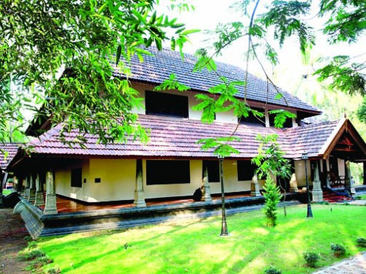 Perumbayil Ayurveda Mana Thrissur India 8