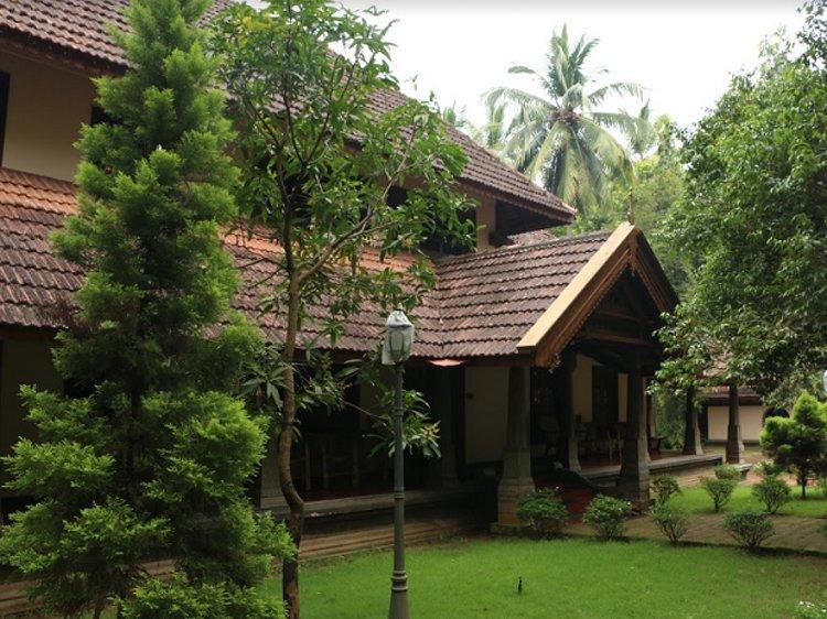 Perumbayil Ayurveda Mana Thrissur India 9