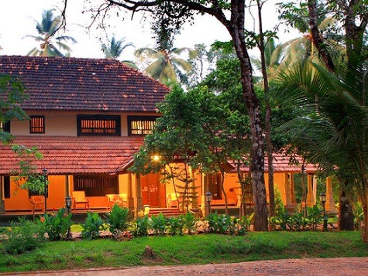 Perumbayil Ayurveda Mana Thrissur India 11
