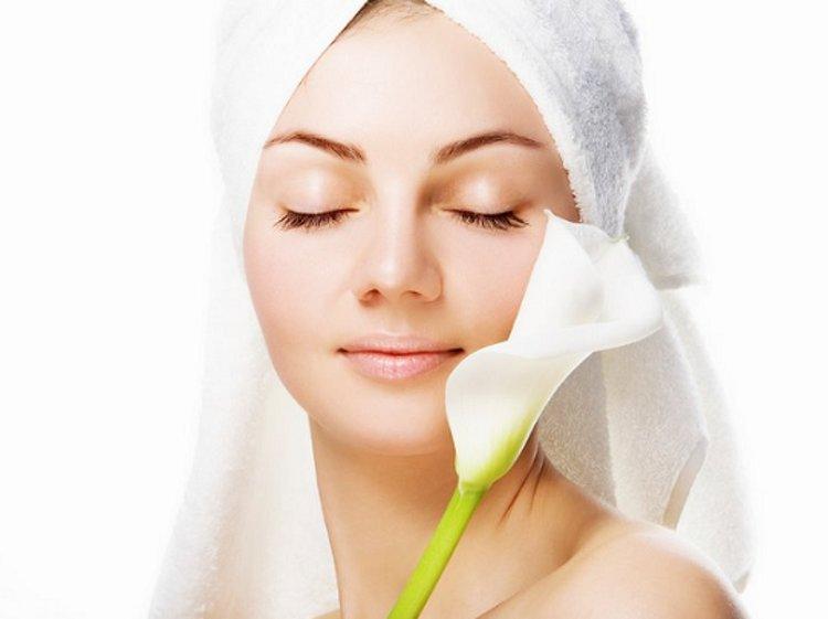 Perumbayil Ayurveda Mana Beauty Care Kesha Kanthi 1