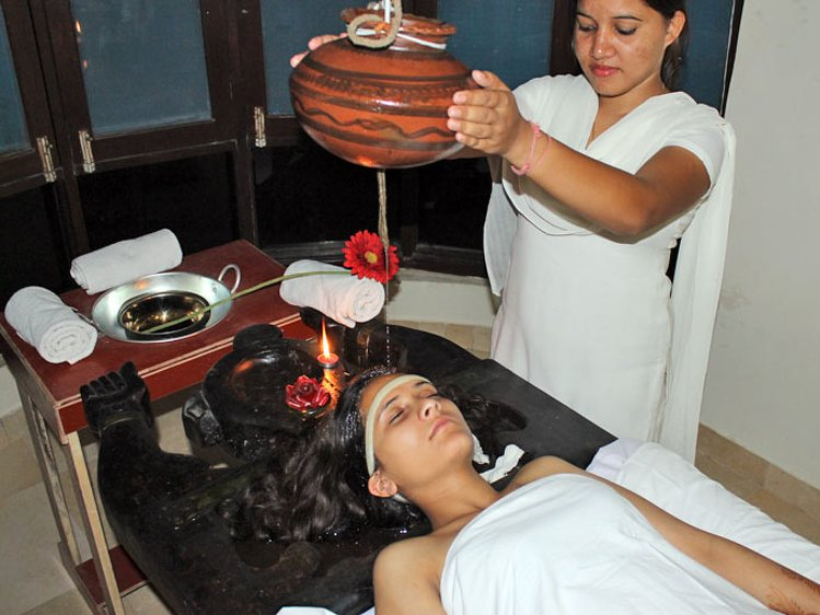 Sandhya Sulphur Hot Springs Health Care Tattapani India 16