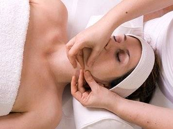 Majlis Ayurvedic Health Park 13 Nights / 14Days Skin Care