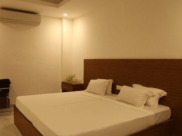 The White Lotus Deluxe Rooms