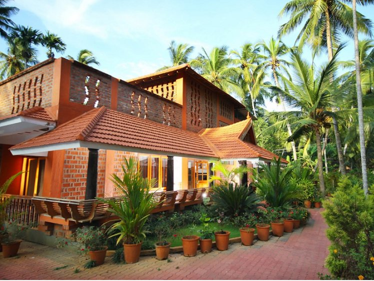 Beach and Lake Ayurvedic Resort Thiruvananthapuram India 3