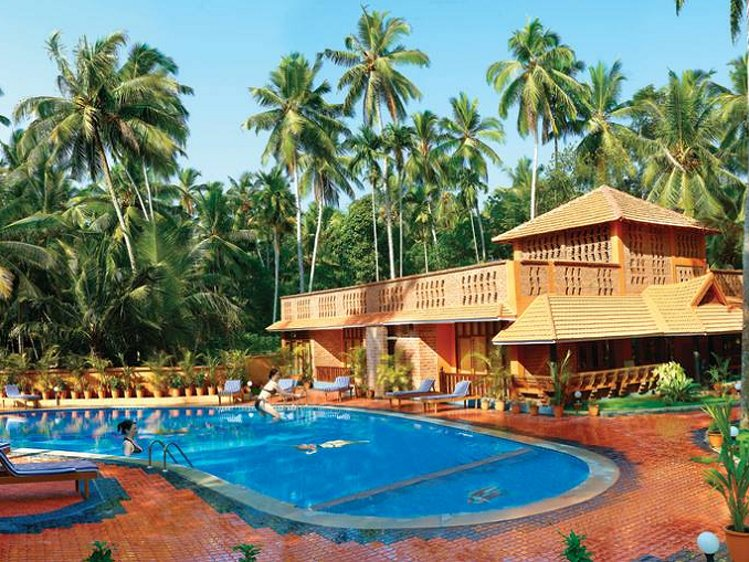 Beach and Lake Ayurvedic Resort Thiruvananthapuram India 5