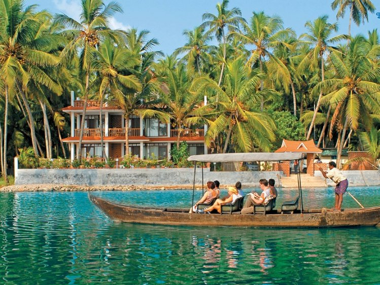 Beach and Lake Ayurvedic Resort Thiruvananthapuram India 4