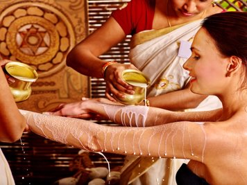 Dhathri Water Front Treatment Center  13 Nights / 14Days Post Natal Care