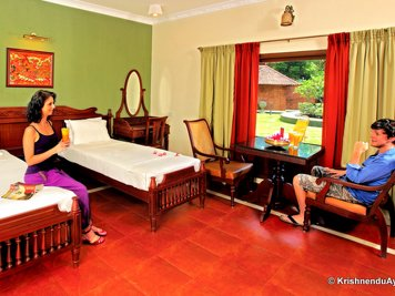 Krishnendu Ayurveda Traditional Kerala Therapies Junior Suite A/C