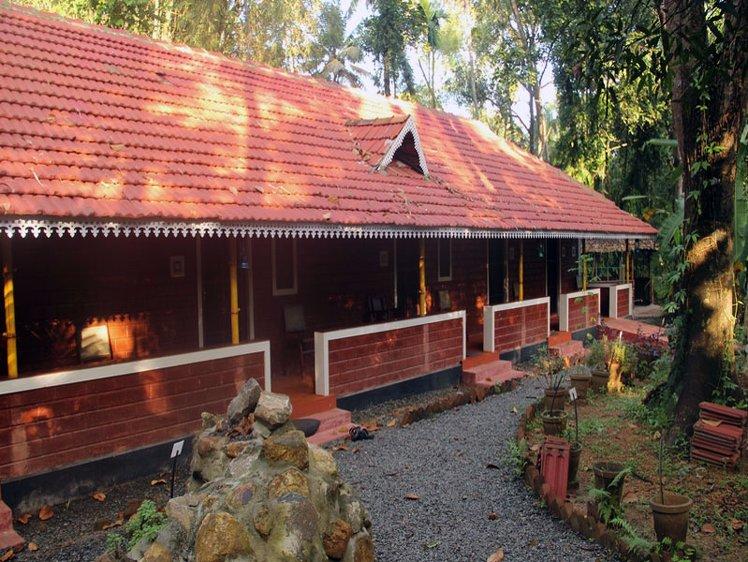 Illom Ayur Heritage Alappuzha India 1