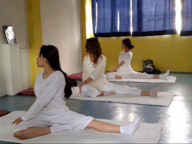 YogaHut Tapovan Rishikesh India 3