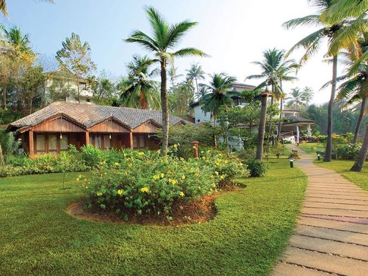 Fragrant Nature Backwater Resort Kollam India 21