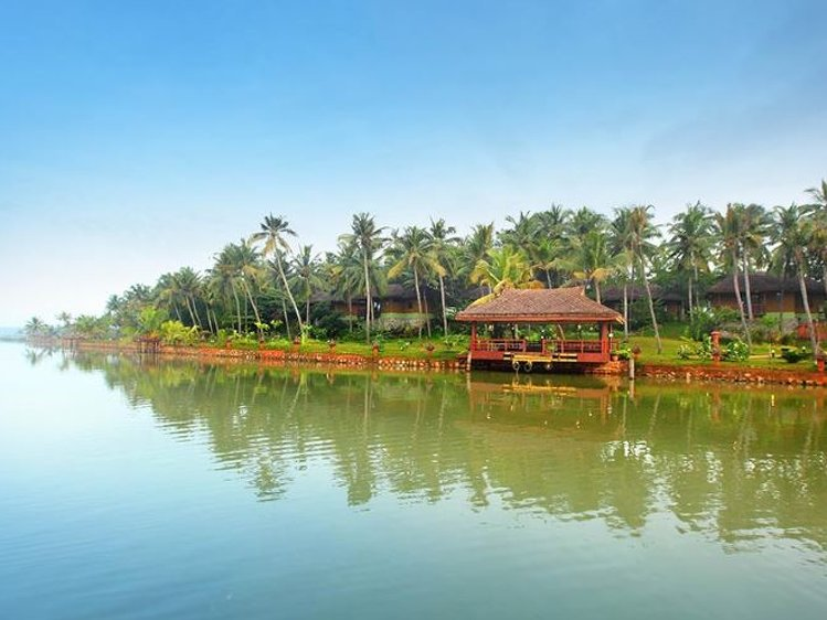 Fragrant Nature Backwater Resort Kollam India 22