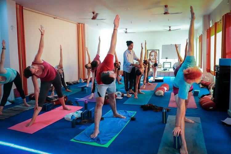 Yoga Vidya Mandiram 500 Hours Hatha & Ashtanga Vinyasa Yoga Teacher Training 11