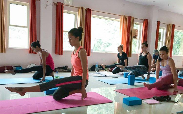 Yoga Vidya Mandiram 500 Hours Hatha & Ashtanga Vinyasa Yoga Teacher Training 15