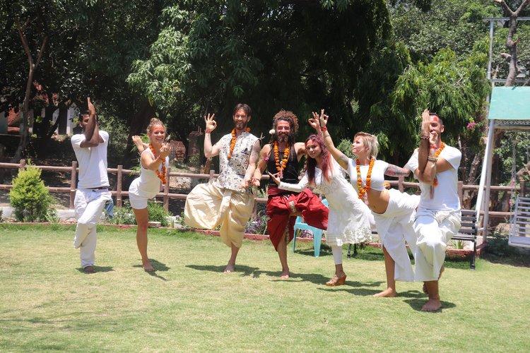 Yoga Vidya Mandiram 100 Hour Hatha & Ashtanga Vinyasa Yoga Teacher Training 11