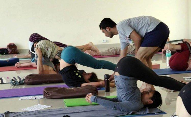 Yoga Vidya Mandiram 200 Hours Yoga Teacher Training In Rishikesh In Spanish Language 2