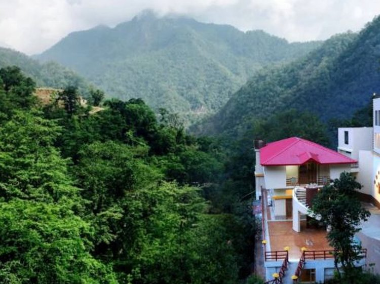 Veda5 Ayurveda and Yoga Retreat Rishikesh India 2