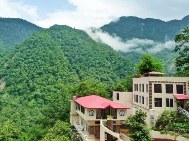 Veda5 Ayurveda and Yoga Retreat Rishikesh India 3