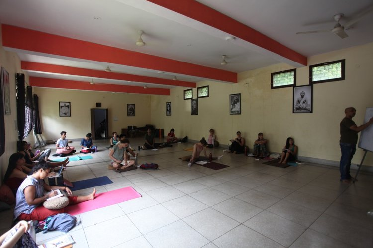 RISHIKESH YOGPEETH 200 Hour Yoga Teacher Training At  Vithal Ashram 4