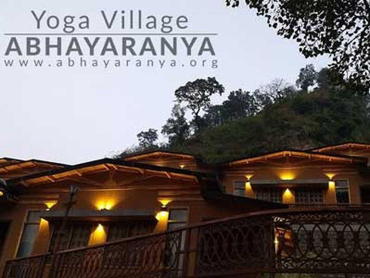 RISHIKESH YOGPEETH 300 Hour Yoga Teacher Training in Rishikesh 5