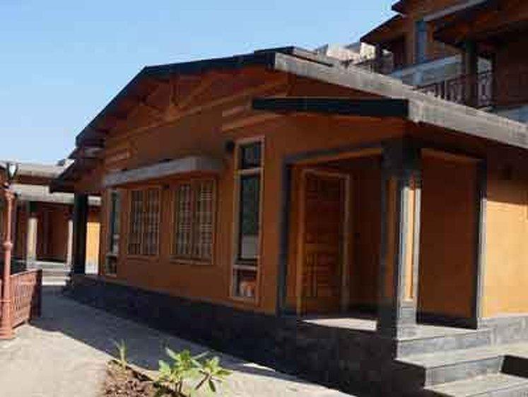 RISHIKESH YOGPEETH 300 Hour Yoga Teacher Training in Rishikesh 3