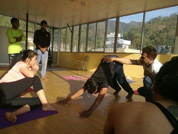 Drishtee Yoga 5 Days Yoga Retreat in Rishikesh