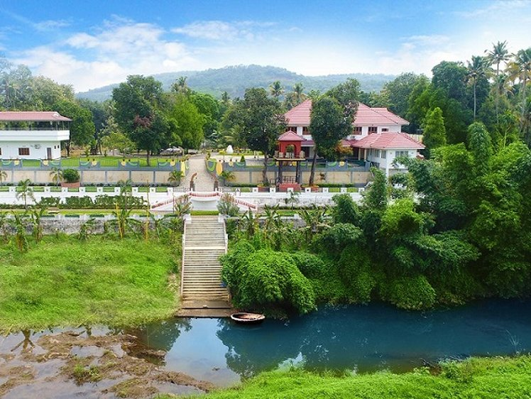 Jomari Heaven Ayurveda Wellness Center Illithode India 3