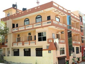 Hari Om Yoga Vidya School Rishikesh India