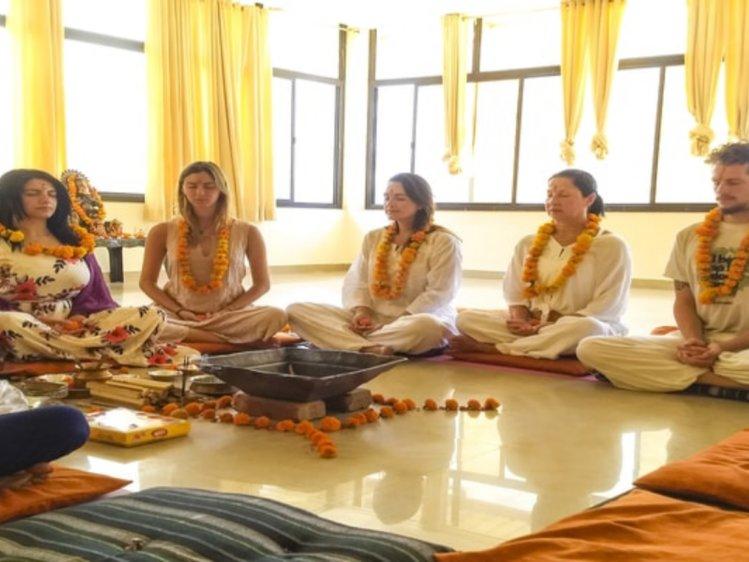 Himalayan Holistic Yoga School 200 Hour Vinyasa Yoga Teacher Training Course in Rishikesh, India 3