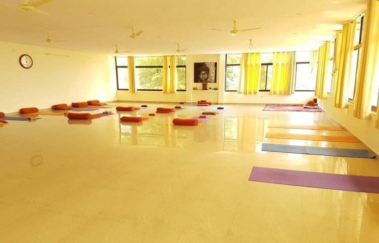 Himalayan Holistic Yoga School Rishikesh India 6
