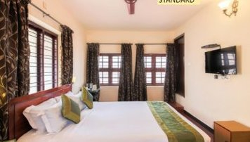 Royal Heritage Resort and Ayurveda Rejuvenation Program with Panchakarma and Daily Regimens Standard Room