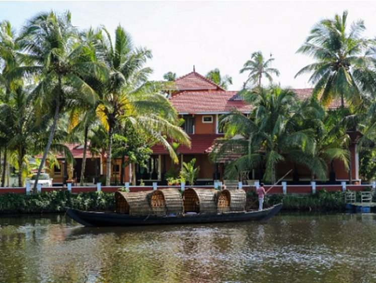Sree Chithra Ayur Home - Indian Residents Thrissur India 3
